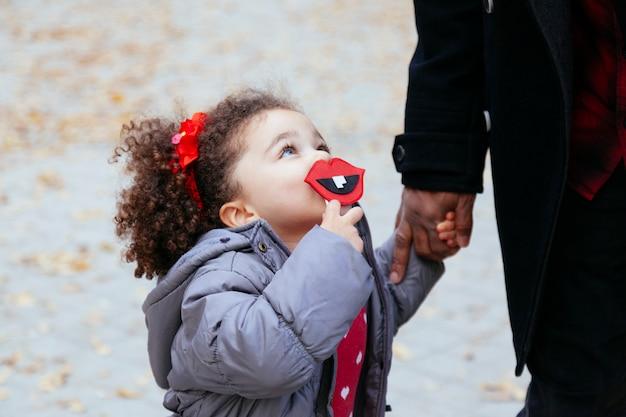 Безусловная любовь между папой и ребенком