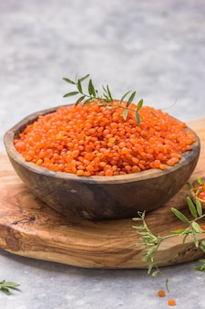 Uncooked red lentil legumes