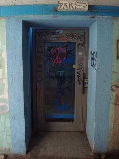 Underpass elevator door