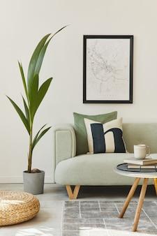 Уникальный интерьер лофта с зеленым удобным диваном, дизайнерской мебелью, макетом карты плаката, ковром, растениями, украшениями и элегантными аксессуарами. современный домашний декор в гостиной. белая стена. шаблон.
