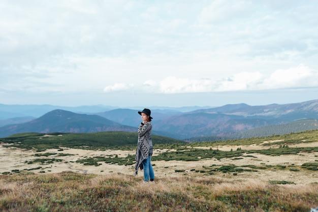 自然との一体感、山のてっぺんを歩く