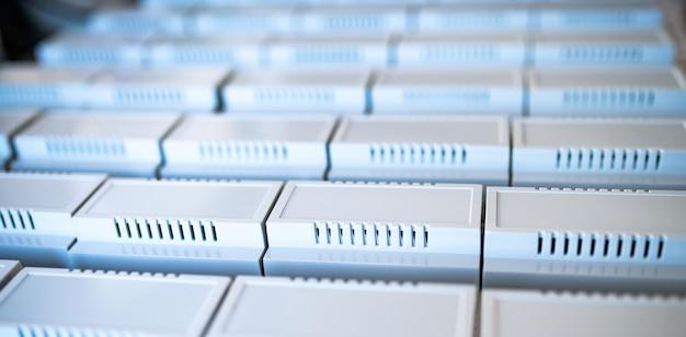 Универсальные пластиковые корпуса для изготовления серийной радиоэлектронной продукции.
