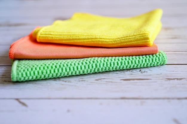 가정용 청소용 범용 와이프, 가정용 화학 물질없이 사용하여 나무 테이블에 먼지 제거