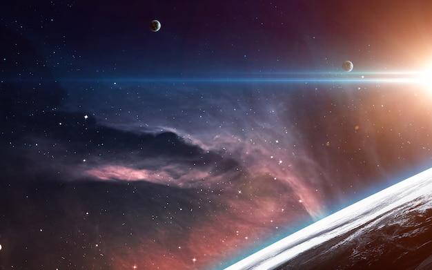 우주 탐험의 아름다움을 보여주는 우주 공간에 행성, 별, 은하가있는 우주 장면.