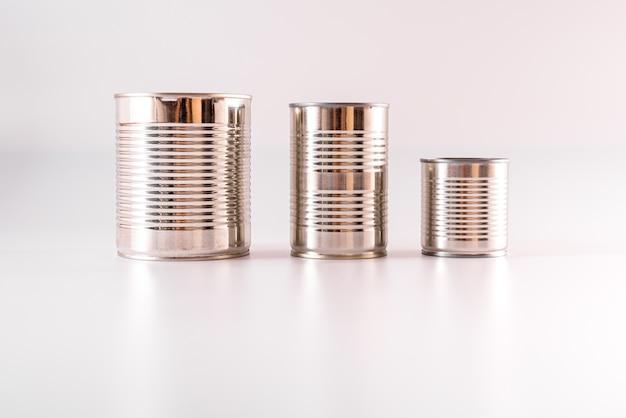 라벨이없는 알루미늄 캔은 수년간 식품을 보관할 것입니다