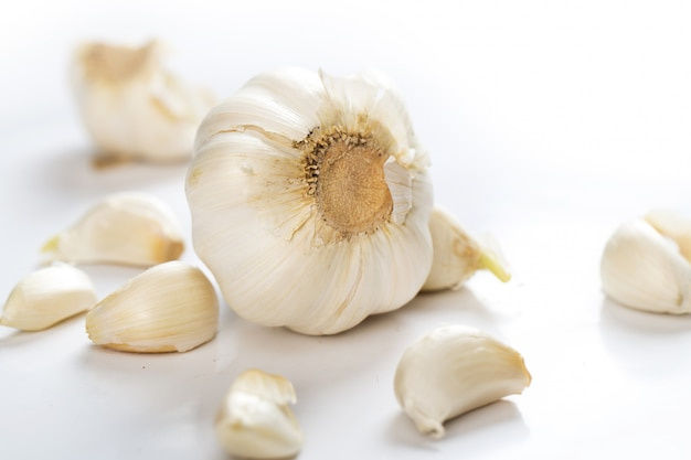 Unpeeled garlic
