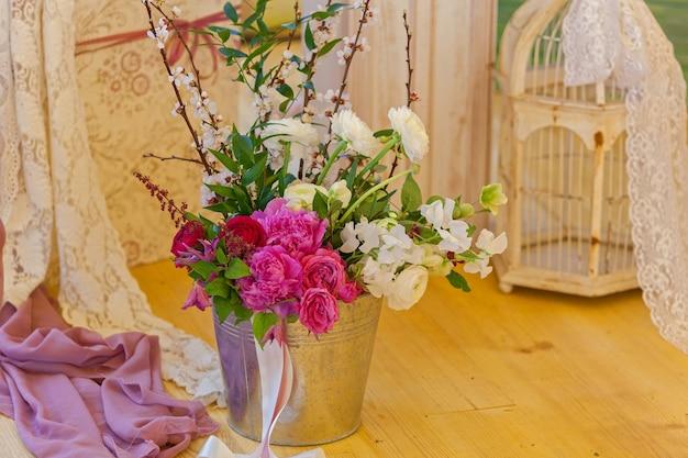 結婚式の装飾のためのキャンドルの珍しい装飾花の木の生地