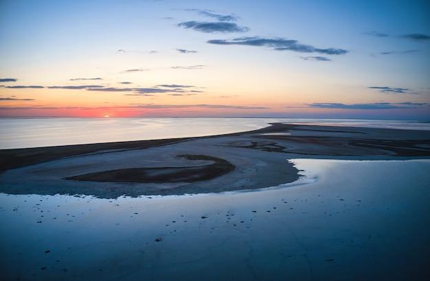 화려한 호수와 최고 전망의 특이한 섬