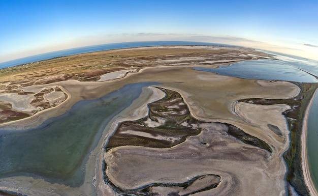腐海湖の珍しい島々、上面図、ドローンカメラ