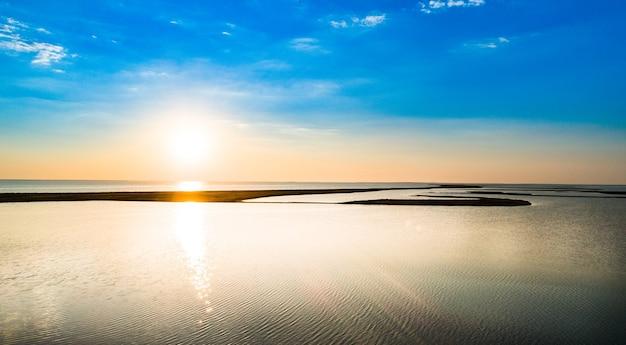 Sivash 호수의 특이한 섬, 평면도, 드론 카메라
