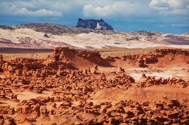 米国ユタ州のゴブリンバレーspの珍しい自然の風景