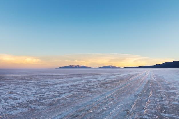 珍しい自然の風景世界最大の塩原、ボリビア、ウユニ塩原