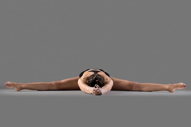 Upavishtha konasana yoga posa