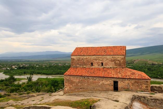 ジョージア州ゴリ近郊の古代洞窟都市ウプリスツィヘにあるuplistsuliseklesia(王子の教会)