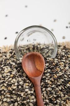 黒いレンズ豆、ブラックグラム、ブラックurad dal、vigna mungo、urad bean、
