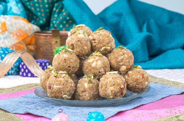 Urad or methi laddu