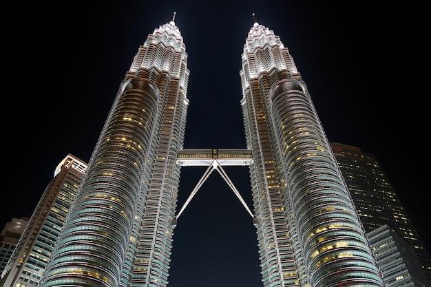 Городской высокая klcc malaysia небо