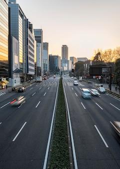 Городской пейзаж японии на открытом воздухе