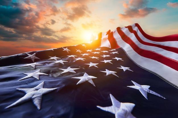 Американский флаг сша на день памяти и день ветеранов с днем труда или празднование 4 июля