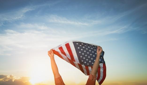 Американский флаг сша на день памяти в сша день ветеранов день труда или празднование 4 июля