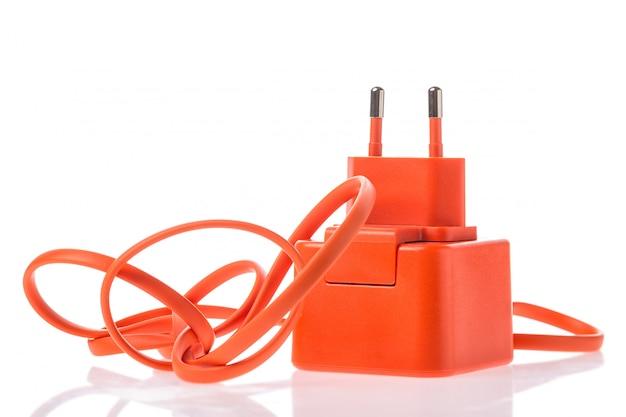 Usbケーブル付きのオレンジ色のアダプター充電器