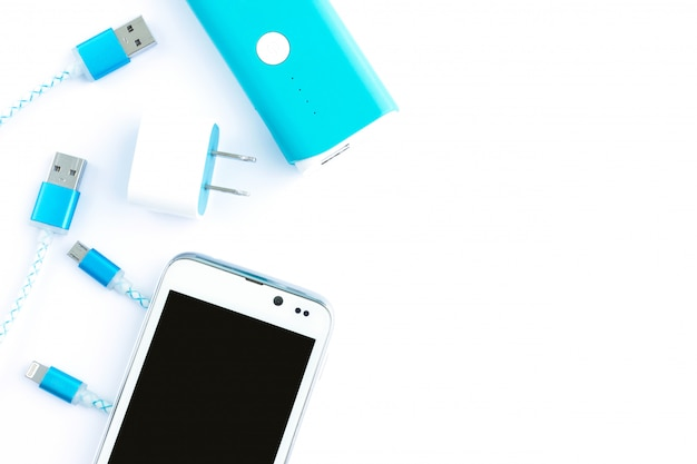 スマートフォン用のusbケーブルとバッテリーバンク