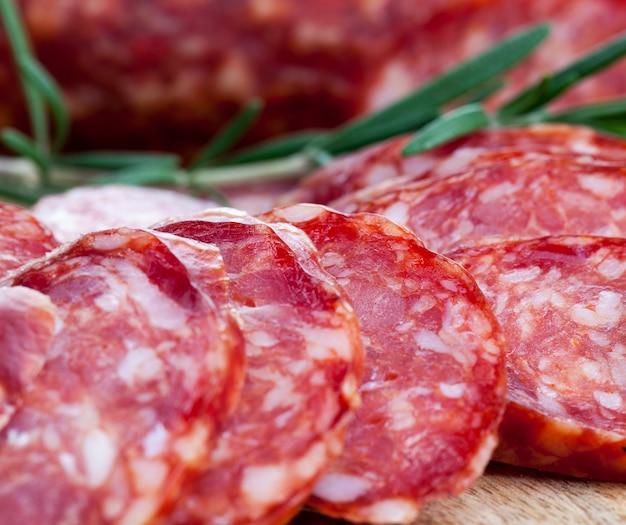 食肉工場で作られた便利な食肉製品