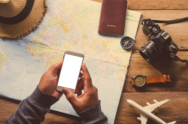 Using mobile search for travel accessories ready for the trip.