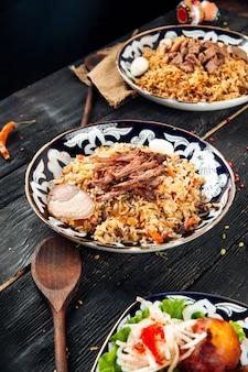 Уйгурская национальная кухня плов с говядиной