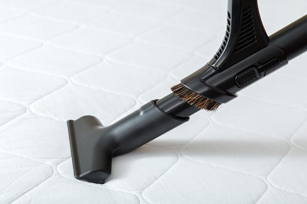 掃除機は、汚れたほこりの細菌に対してプロのクリーニングマットレスを行います。掃除機はホテルのアパートの表面、清潔さを消毒します。