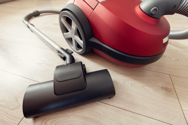 Vacuum cleaner with turbo-brush on a laminate