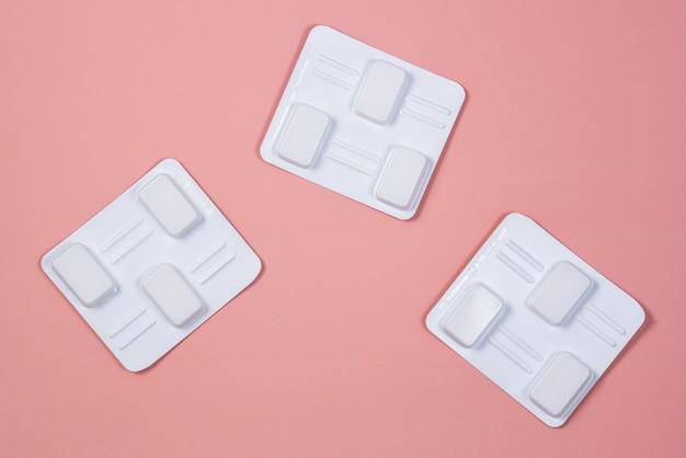 질 항균 여성 알약. 칸디다증, 아구창, 염증 치료 용 양초.