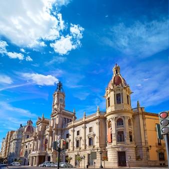 Valencia city ayuntamiento building square plaza