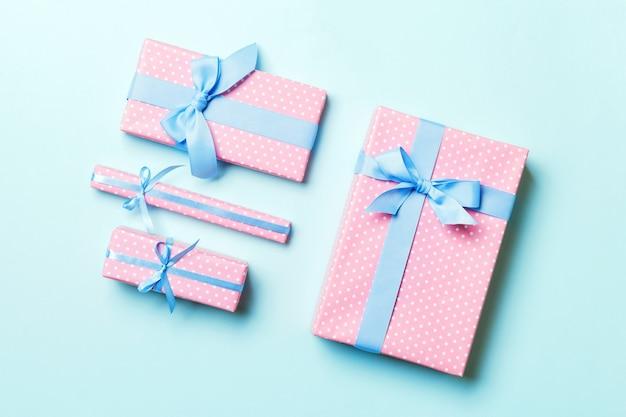 휴일 장식 평면도에서 발렌타인 선물, 디자인을 위한 복사 공간.