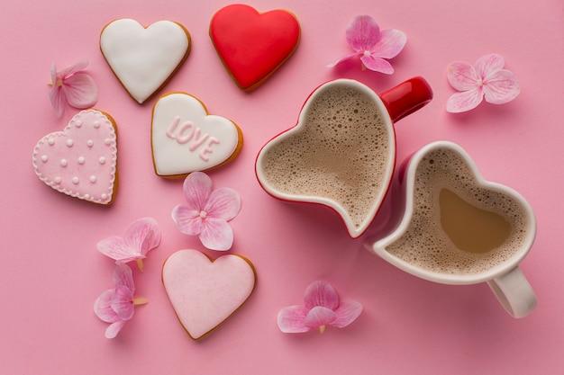 Концепция дня святого валентина с вкусным печеньем