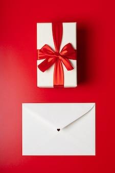 발렌타인 데이 봉투 및 선물