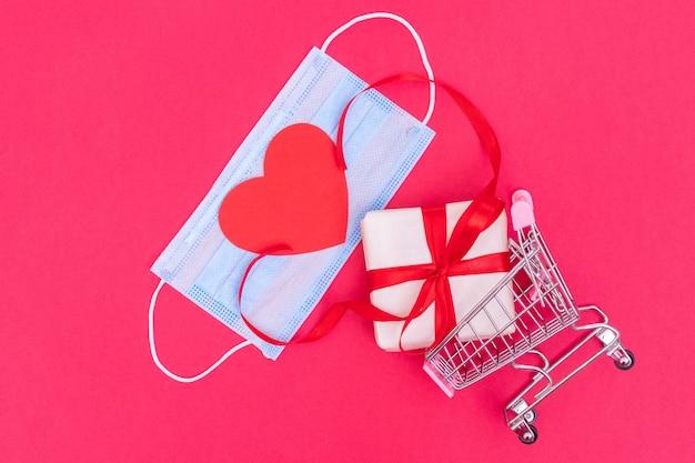 유행성 기간 동안 발렌타인 데이 쇼핑 개념