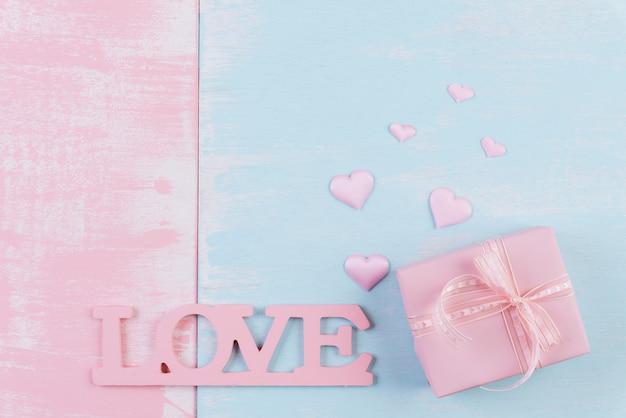 バレンタインの日と愛の概念の背景。