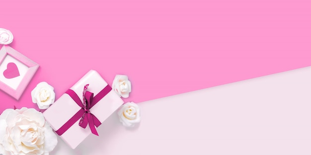 バレンタインデーの背景にギフトボックス、花、ピンクのハート