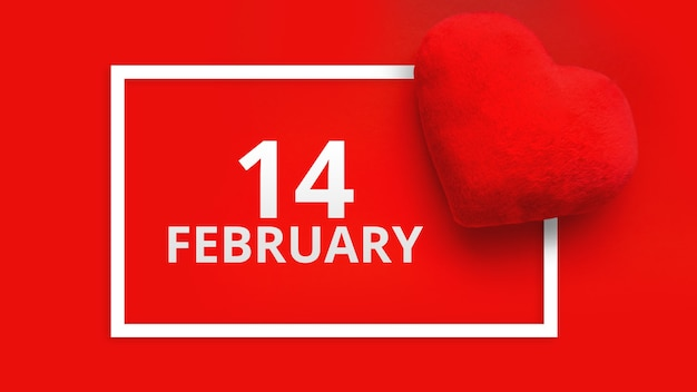 День святого валентина фон с мягкой игрушкой в виде сердца на красном