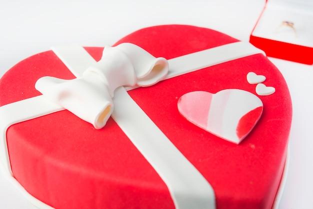 하트 그늘과 발렌타인 데이 케이크
