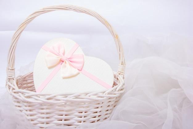 Подарочная коробка в форме сердца на день святого валентина