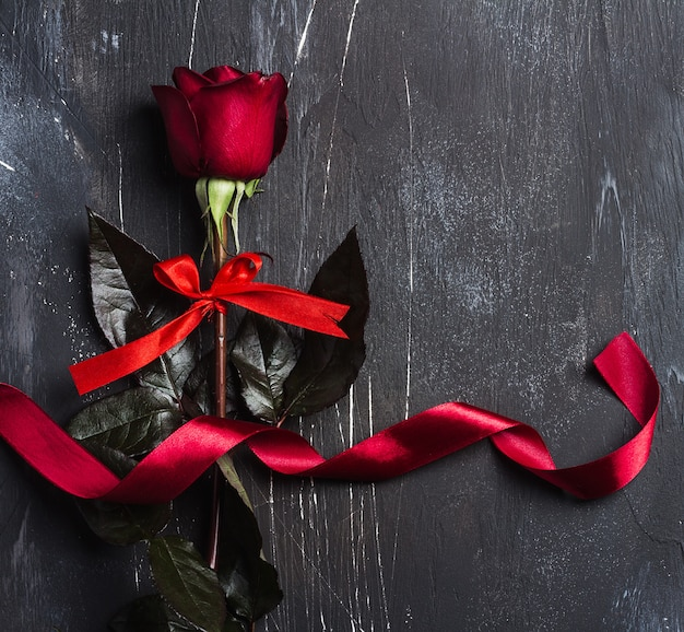 Valentines day womens mothers day red rose with ribbon gift surprise