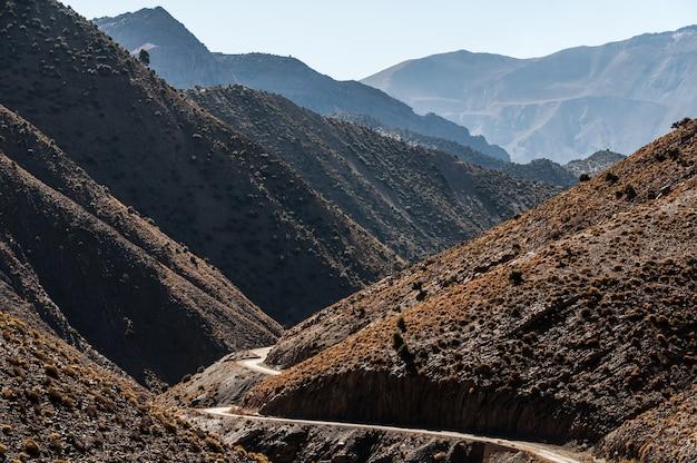 モロッコ、ウズウドの近くの谷