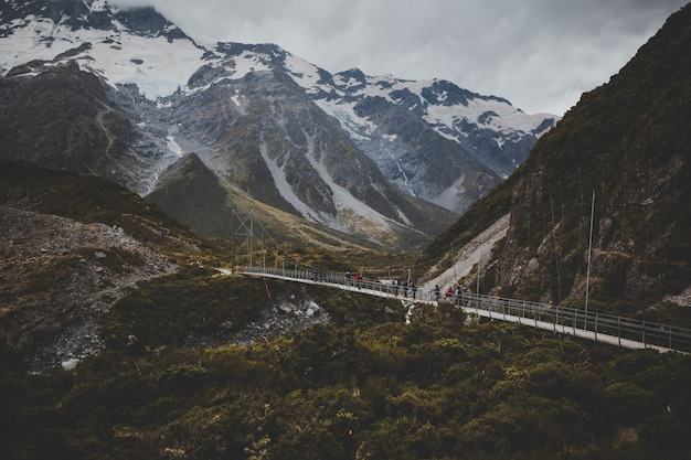 Valley track con vista sul monte cook in nuova zelanda