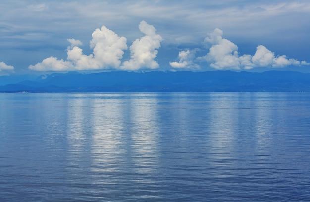 Остров ванкувер. канада. прекрасный солнечный день в летний сезон.