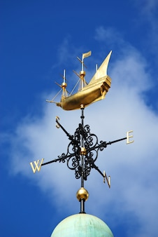 Vane with a boat