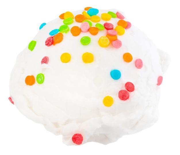 バニラアイスクリームは、クリッピングパスと白い背景の側面図をすくう。