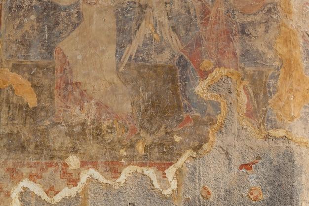 Vardziaは、ジョージア州アハルツィヘ近くのmtkvari川の左岸にあるerushetimountainから発掘された洞窟修道院です。洞窟修道院ヴァルジアジョージア