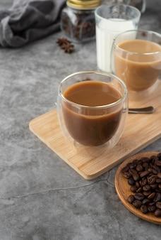 Разнообразие кофе на столе